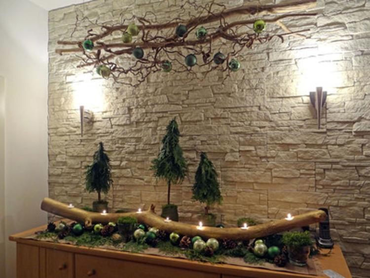Weihnachtsdeko Haustür Basteln.Dekorieren Mit ästen Und Zweigen Foto Veröffentlicht Von Zwergnase