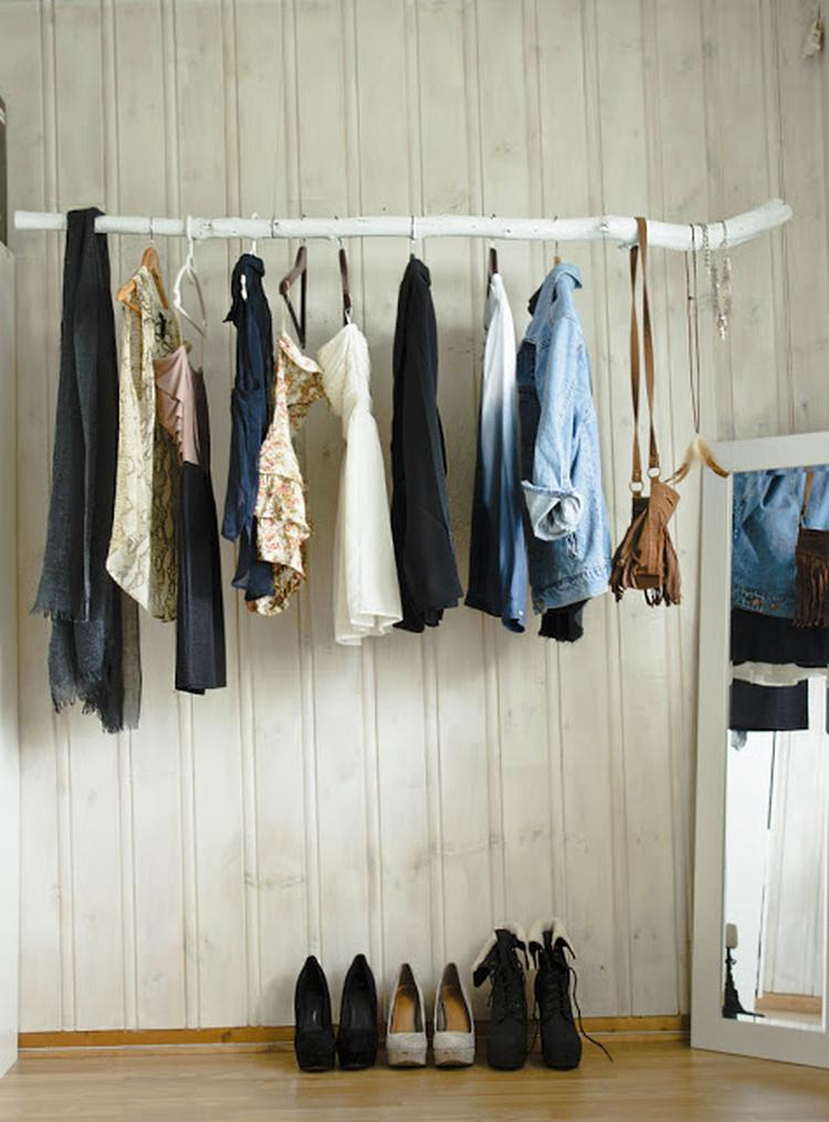 Coole Idee Als Alternative Für Einen Kleiderschrank Oder Eine Hässliche  Kleiderstange. Sehr Schön Und Natürlich