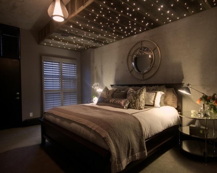 Romantisches und gemütliches Schlafzimmer mit Lichterketten Deko ...