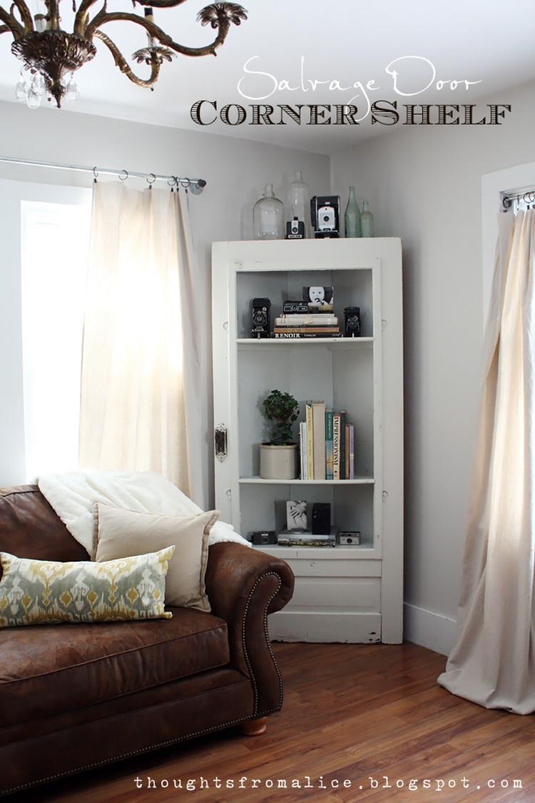 Klasse Idee aus einer alten Tür ein Bücherregal selber bauen für