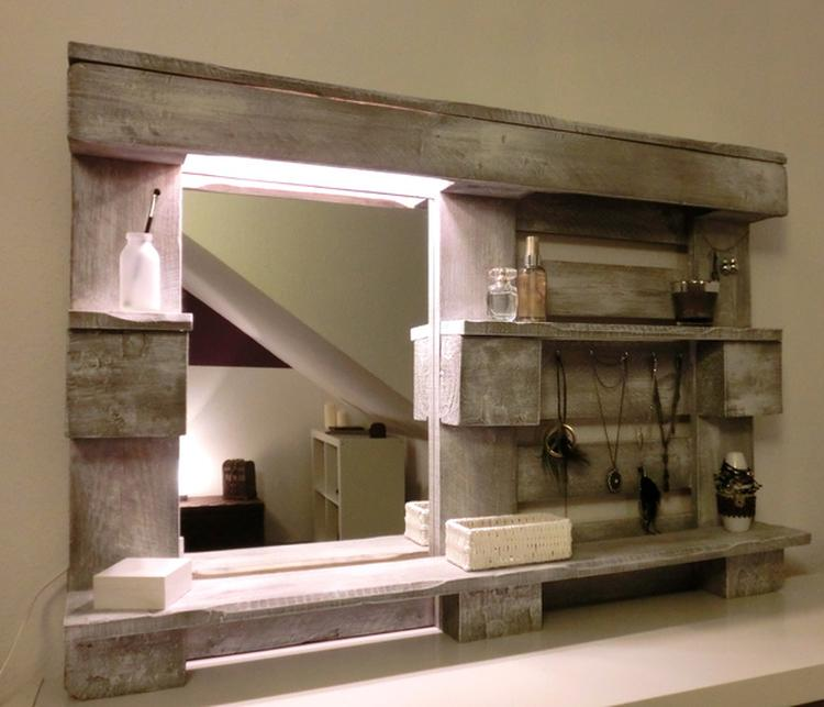 Diy Spiegel Fur Das Badezimmer Aus Einer Palette Gebaut Foto