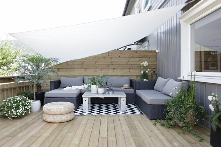 Tolle Idee für einen lounge Platz auf der Terrasse. Foto ...