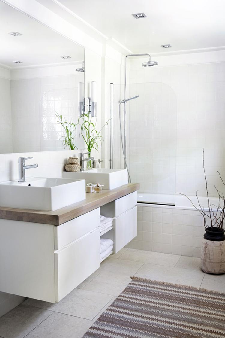 Badezimmer im skandinavischen Stil. Foto veröffentlicht von ...