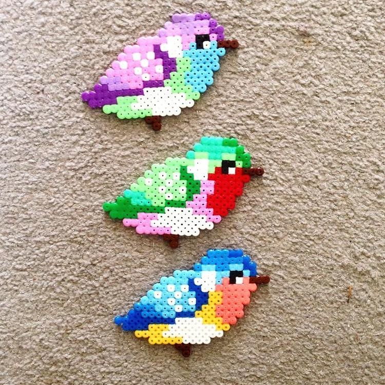 Farbenfrohe Vogel Mit Hama Bugelperlen Basteln Coole Bugelperlen