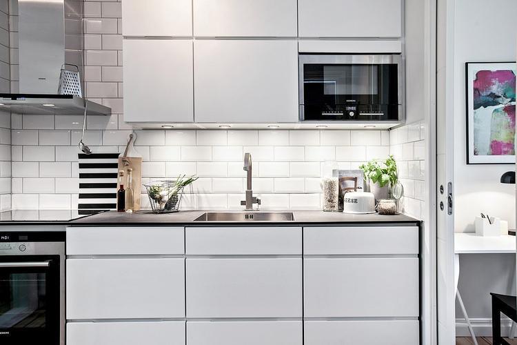 Grifflose Küche moderne grifflose küche mit subway fliesen foto veröffentlicht