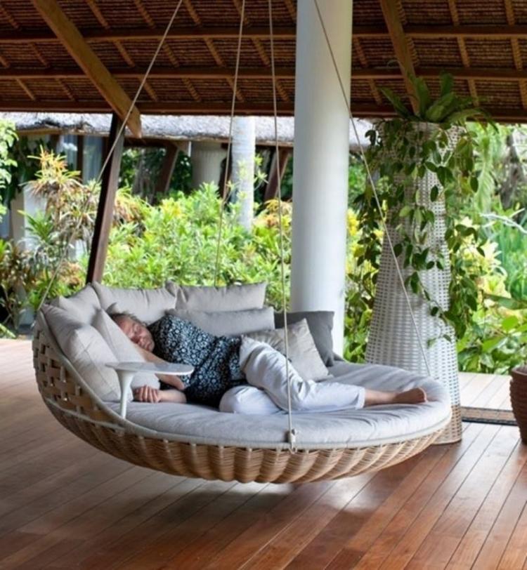 Toller Hängesessel oder eher Hängebett für den Garten. Foto ...