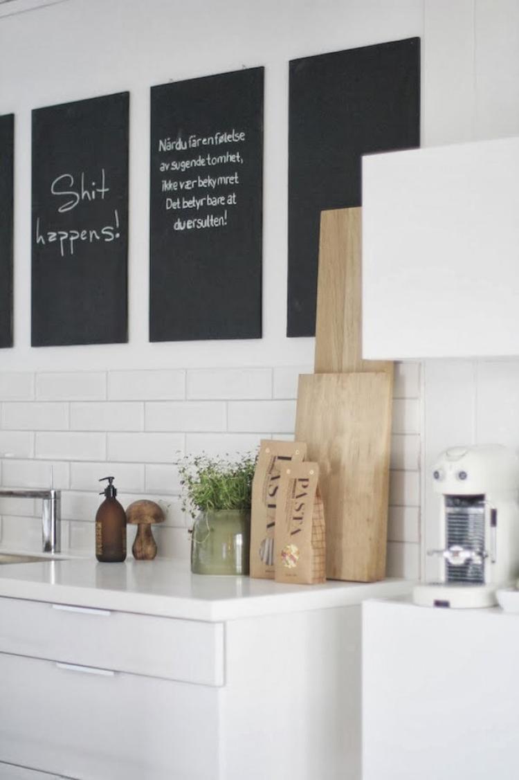 Bilder Aufhängen Ideen tolle ideen für die küche einzelne holzbretter mit tafellack