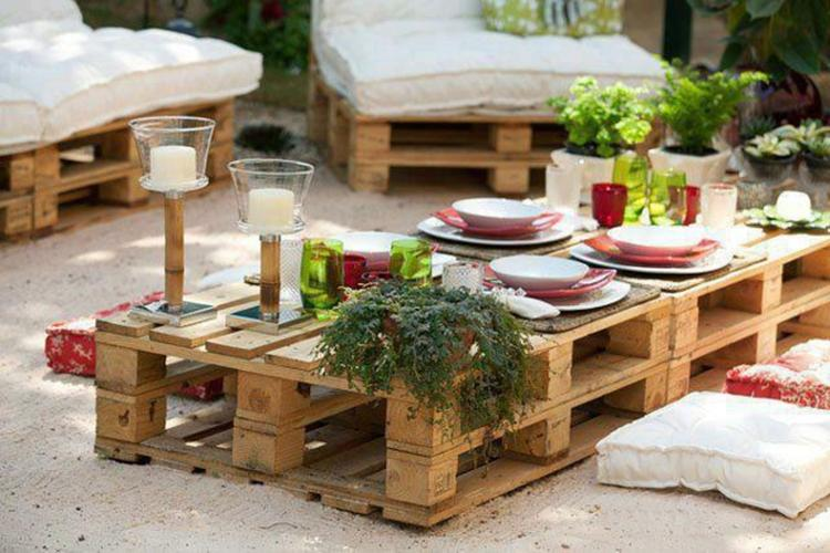 Außergewöhnlich Schöner Gartentisch aus Paletten. Foto veröffentlicht von Sina1983 @AV_54